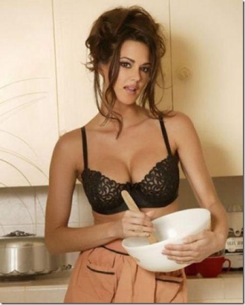 キッチンでセクシー (28)