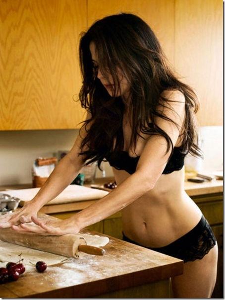 キッチンでセクシー (8)
