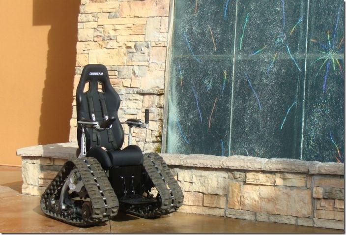 戦車型車椅子 (12)