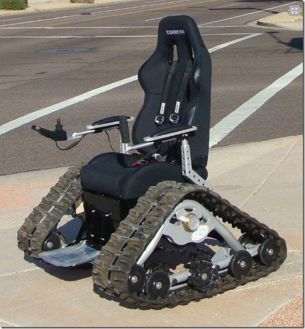 戦車型車椅子 (4)